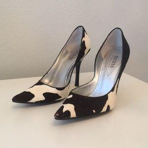 Guess high heel shoe